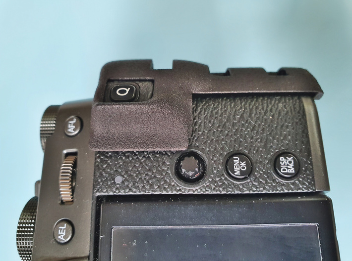 Ergonomic grip for X-T30 3d printed The thumb rest helps to prevent accidental Q-Button presses