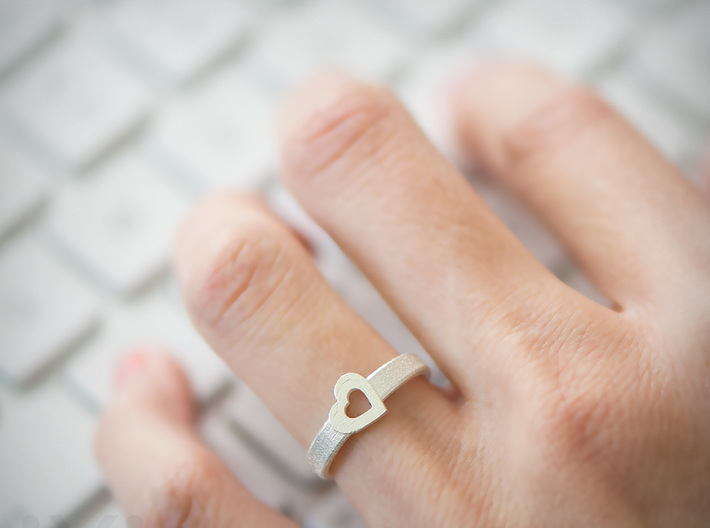 Simple Love Heart Ring - Size 5 3d printed