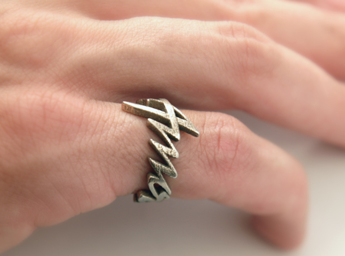 Amour Fou Ring (Various Sizes) 3d printed