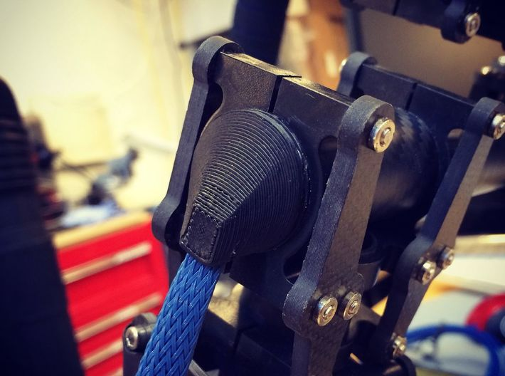 25mm Carbon Gimbal Tube Caps Wire Protector 3d printed End Cap with wire passing through