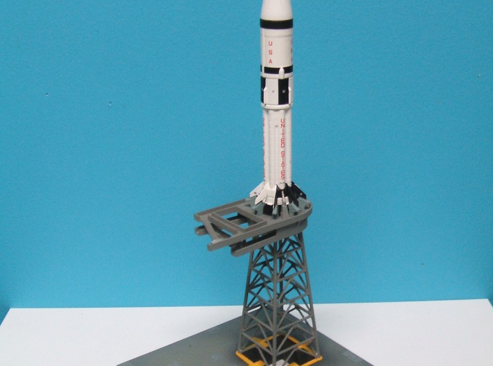 1/400 Saturn 1B MLP, Apollo launch pad 3d printed More photos from Alain Plante.
