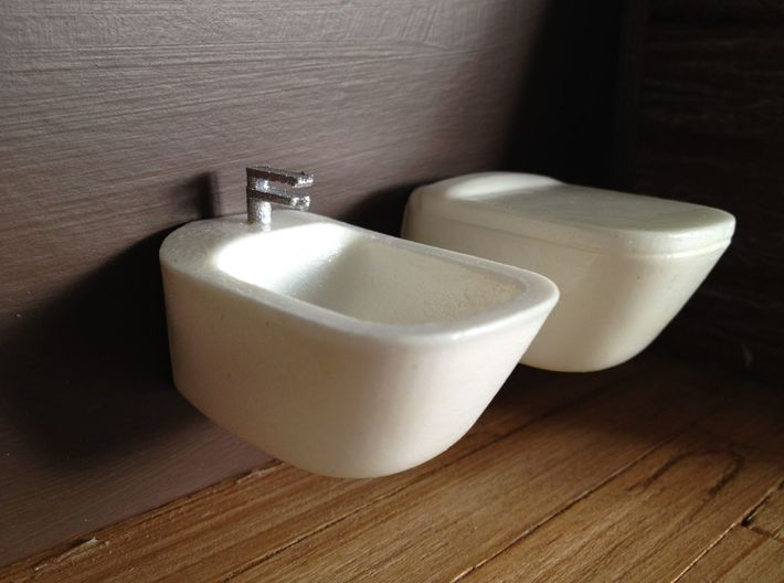 1:12 Bidet with tap, wall-mounted 3d printed in combination with toilet