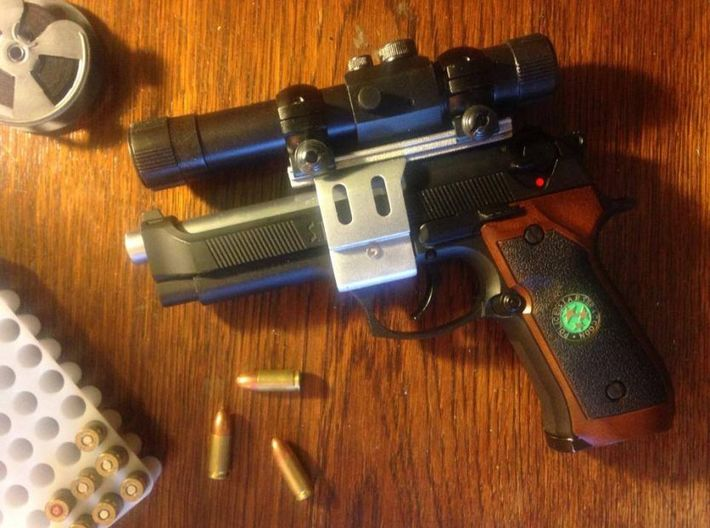 Resident Evil 0: Samurai Edge Optic Rail Mount 3d printed Complete scope on softair gun