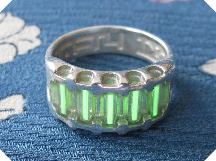 US14 Ring IX: Tritium 3d printed In this picture the phosphorus coating on the tritium vial being energised by UV light.