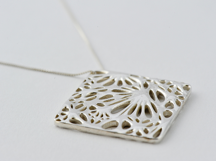 Boxed Floral - Pendant Necklace 3d printed Get Bli