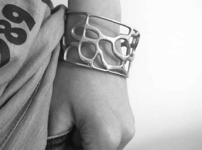 Underground Bracelet 3d printed Bracelet on Model / Get Bli