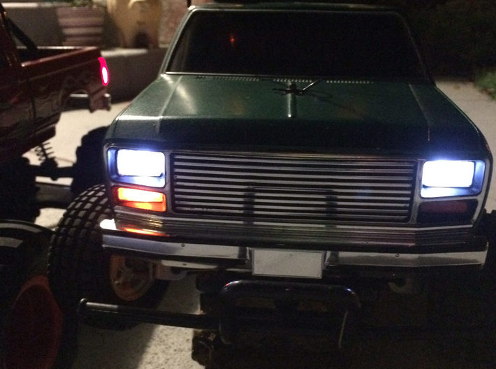027002-02 Blackfoot & F150 Headlight Housing 3d printed Head lights and a turn signal on