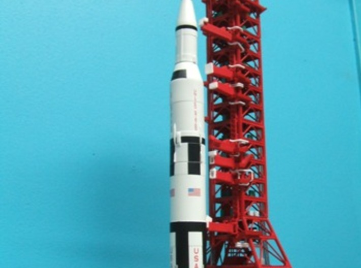 1/400 NASA LUT levels 13-18 Launch Umbilical Tower 3d printed LUT with MLP/Crawler & Saturn V.