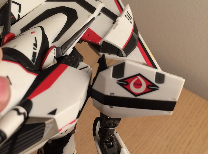 VF-171 NUNS triangles WBk-SF version 3d printed Triangle folded in the shoulder
