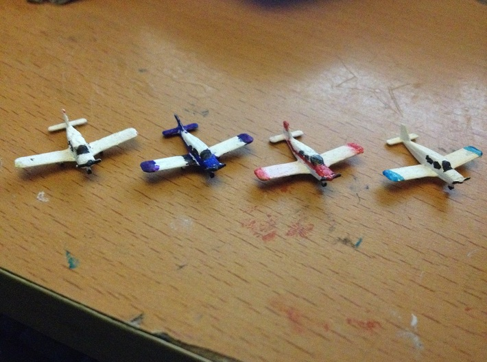 1:400 scale Piper PA28 Cherokee 3d printed 4 fully painted Cherokees