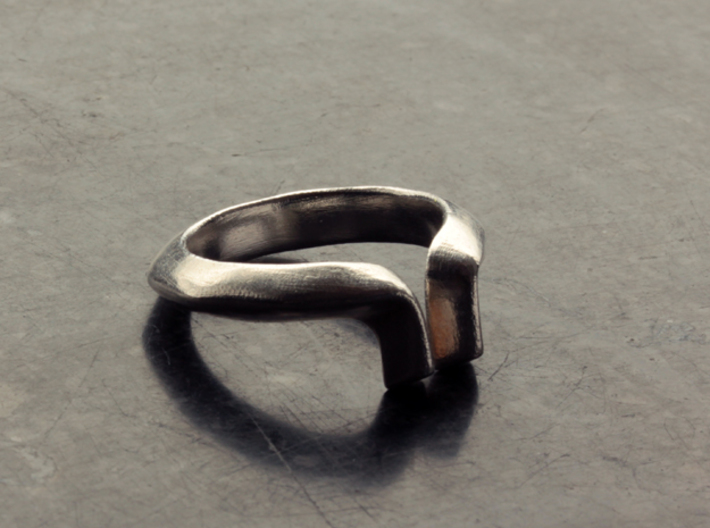 Diverto Ring 3d printed Raw Silver