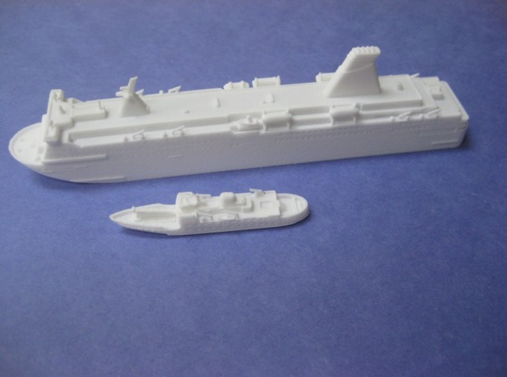 MS Pride of York (1:1200) 3d printed Shown with RMV Scillonian