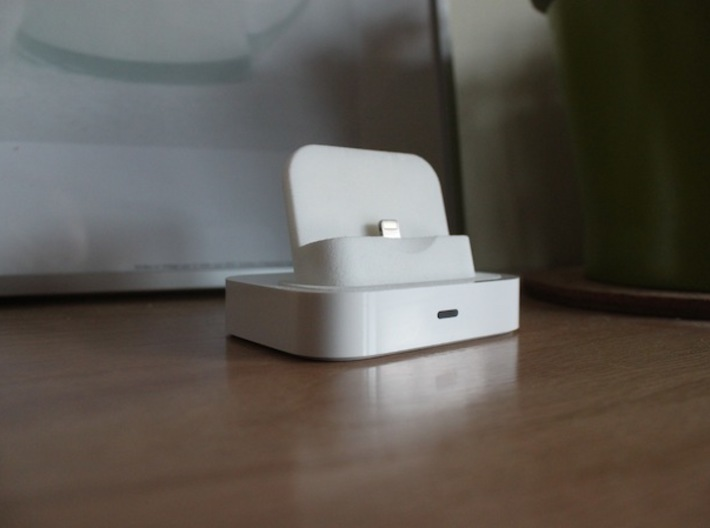 iPhone 5/5s/6 Lightning Adapter for Universal Dock 3d printed