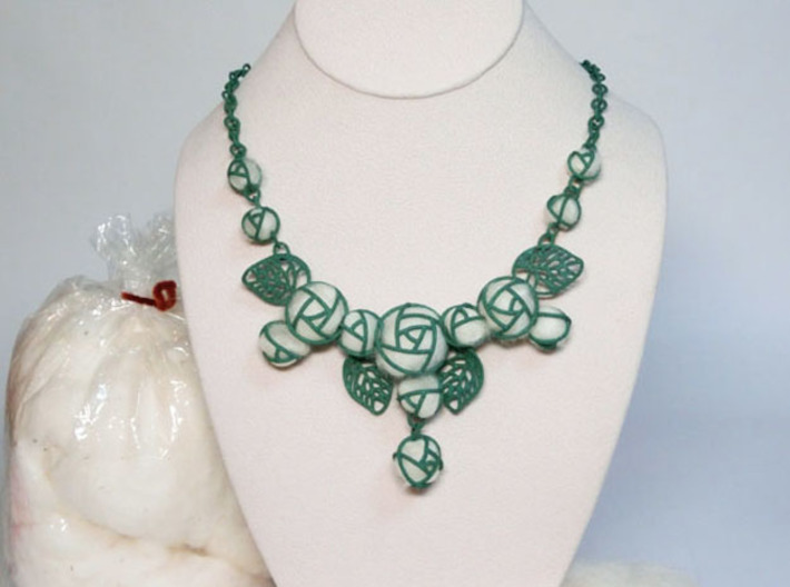 Cotton Roses NecklaceⅠ 3d printed Add a caption...