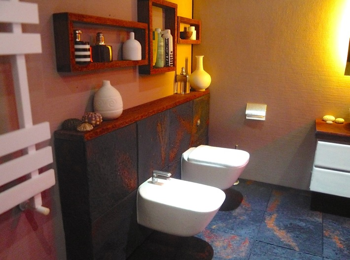 1:12 Bidet with tap, wall-mounted 3d printed Mini bathroom by Alice