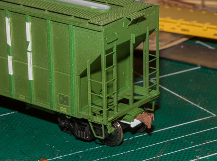 Draft Gear Lid - FMC Non Cushioned for Moloco 5X 3d printed Fitted to a Moloco coupler pocket mounted on an Athearn FMC 4700